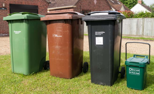 Recycling and rubbish bins